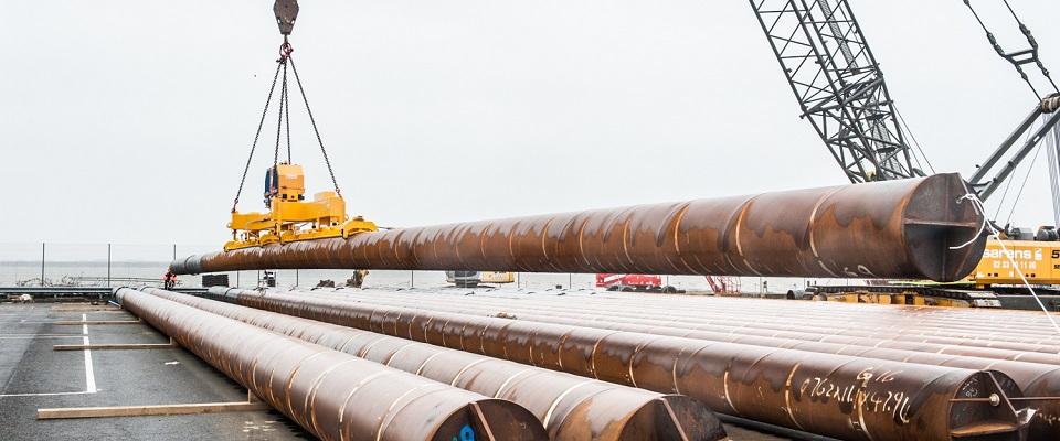 重型管材吊运<br/><span>工业真空吸吊解决方案</span>